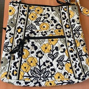 Vera Bradley Crossbody Purse in Go Wild pattern